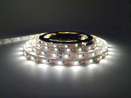 The CoolBag 5 Meter LED strip. This is a straightforward LED lighting kit, and comes with the 5m LED strip light plus battery pack with on/off switch.
